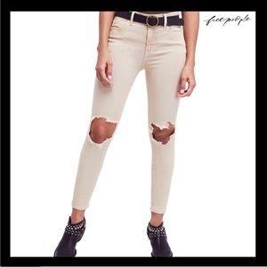 NEW FREE PEOPLE HIGH WAIST DISTRESSED SKINNY JEANS